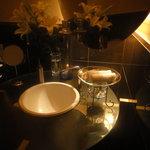 ラグナ ザ バー - トイレの手洗い
