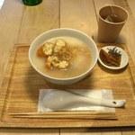 カユゾー - そぼろ揚げパン粥