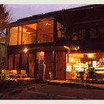 ポム・ダムール - 夜もすごく雰囲気がいいです^^