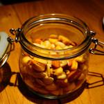 クラフトビアハウスモルト - 燻製ミックスナッツ