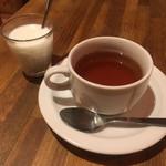 タイ料理 タイダイニングプラーローマー - タピオカミルクとホットティー