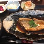 102307063 - 煮魚定食 700円