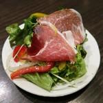 完全個室と名古屋コーチン 鳥よし  - スペイン産・生ハムサラダ