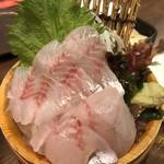 目利きの銀次 - 板長おすすめ漁港直送鮮魚の刺身 598円(646円)