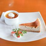 茂庵 - いちごのベイクドチーズケーキ、塩キャラメルプリン