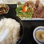 ちゃんこ定食 玉ちゃん - 黒毛和牛ステーキ1000円