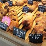 10232872 - ハード系の総菜パン