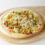 野菜たっぷりクリームピザ