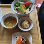 エアーサイド レストラン アンド ディパートメント - ランチのDELI  2種とスープとサラダ