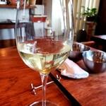 トラットリアIMAMURA - 白ワイン飲んじゃえ♪