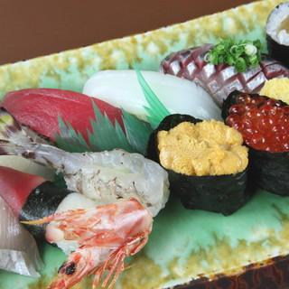江戸前でもない、関西風でもない。鹿児島の鮮魚で握る鮨を堪能◎