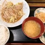 酒房 月桂冠 - 肉野菜炒め定食
