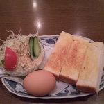 珈琲パパー - Aセット(昔なつかしトースト&ゆで玉子)