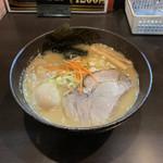 102352098 - 合わせ味噌らーめん + 味玉