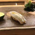 鮨 栄美古 - サヨリ