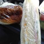 ポピー - 料理写真:ミックスサンドとコロッケバーガー