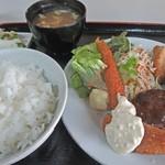 白扇 - サービス定食