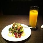 バー ディーアール - ブロッコリーとホタテのサラダ