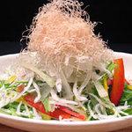 こて屋 - 新鮮野菜のサラダもあります!