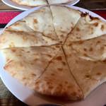 インド・ネパール料理 KUMARI - 選べるナンは「チーズナン」