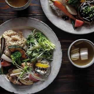 【ランチ】1食で30品目近く食べる事ができるランチ