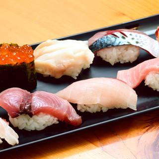 高知県には美味しい魚が揃っている。金目鯛や鰹の握りを堪能…。
