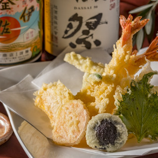 揚げたてサクサクの天ぷらを、そばと一緒にどうぞ