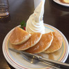 神野喫茶店 × JINNO COFFEE - 料理写真:ホットケーキとソフトクリーム