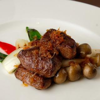 中国伝統の食材や旬素材を使った斬新な広東料理をご堪能あれ