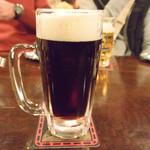 独逸 - ドリンク写真:生ビール&黒ビール(中ジョッキ)
