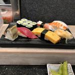寿司の美登利総本店 - 梅にぎり 800円