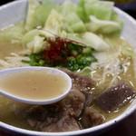 晴レルヤ酒場 - ガツンと濃厚な鶏白湯スープ(にんにく入り)