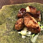 炭焼 芹生 - 牡蠣と椎茸の炭火焼き('19.2月上旬)