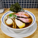 手打式超多加水麺 ののくら - 料理写真:特製中華そば 醤油