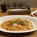 オレガノ食堂 - 小海老のトマトクリームスパゲティ