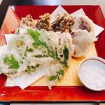 花風 - 料理写真:島野菜を味わう沖縄天ぷらの盛り合わせ
