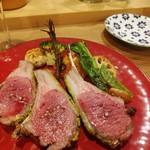 キッチン&バル コンパス - ラム肉香草パン粉焼き