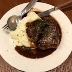 102418323 - コトコト5時間赤ワインで煮込んだ牛ホホ肉