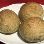 楽健寺パン工房 - ヨモギパン