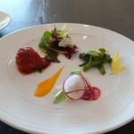 Mar Rosso - サラダと前菜3種の盛り合わせ