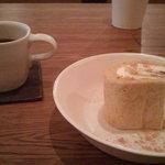 茶日 - ロールケーキ