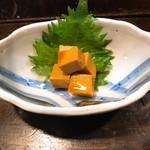 牛すじと肉うどん 「茂」 - 「チーズ醤油づけ」:ちょっとニンニクも効いてビールにも合いそう。