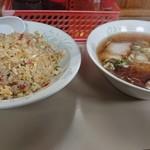 まんぷく食堂 - 反さんセット(炒飯+半ラーメン) ¥800