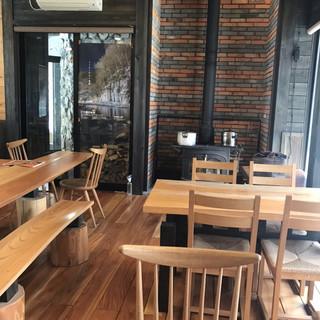 カフェ ウッド ルーフ - 店内