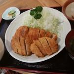 とんかつ石垣亭 - ミックス定食(ヒレ&ロース)味噌汁付き  1,300円