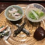 かま田 - コゴミって面白い食感ね。