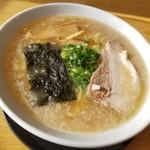 小鉄 - 料理写真:醤油ラーメン太麺