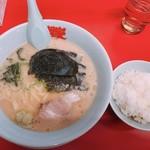 山岡家山形西田店 - 醤油ラーメン 650円 半ライス120円