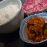 北海道ジンギスカン 北ジン - キムチとご飯