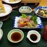 海鮮れすとらん四季庵 - 四季庵定食(1780円)